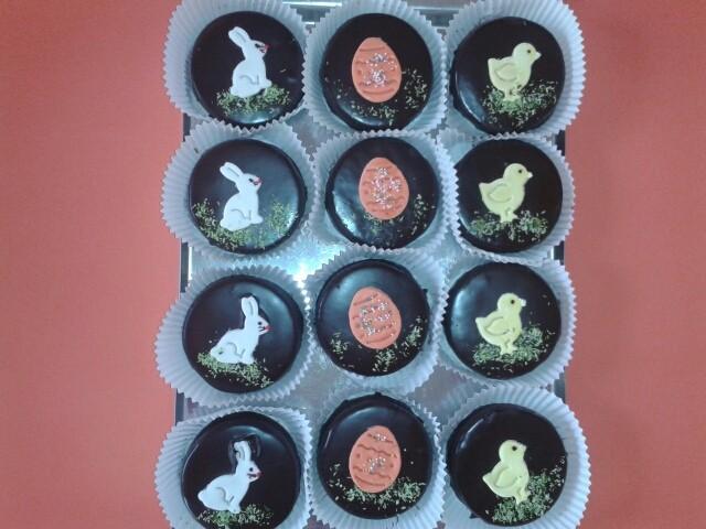 egyedi húsvéti sütemények