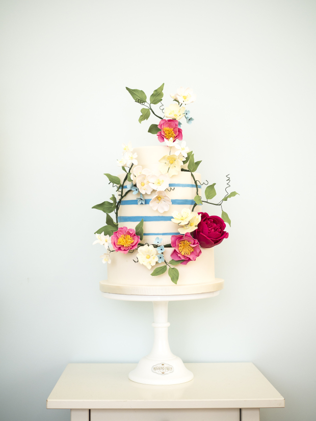 http://metro.co.uk/2015/07/27/the-top-12-wedding-cake-trends-for-2016-5306527/